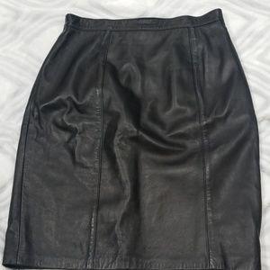 ST John black leather skirt 12 fits 6 or 8
